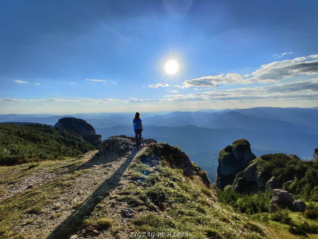 Vârful Toaca 1904 m. din M-ții Ceahlău - Blog de calatorii - ZIGZAG PE HARTĂ - 116274597 2752056115115218 4906826084817517711 o