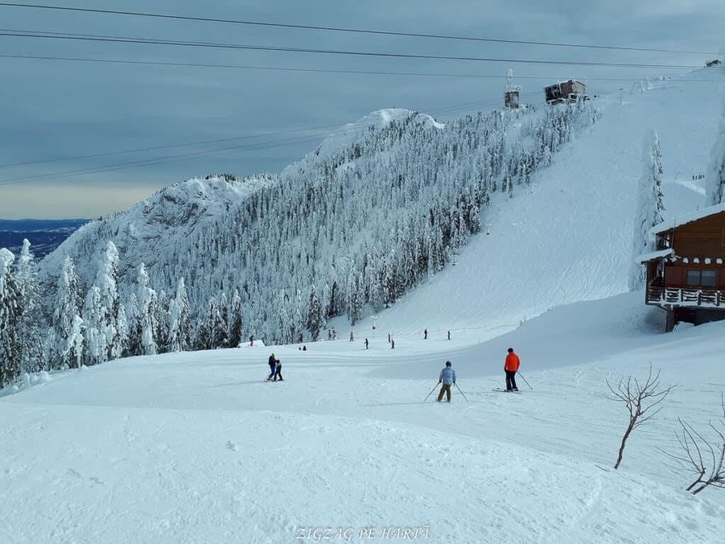 Domeniul schiabil Poiana Brașov, schi în trei zile - Blog de calatorii - ZIGZAG PE HARTĂ - 20190128 124356