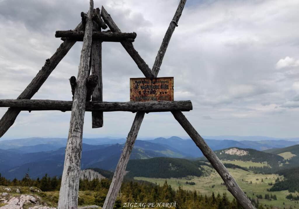 Vârful Hășmașul Mare (1792 metri) și Piatra Singuratică (1504 metri) - Blog de calatorii - ZIGZAG PE HARTĂ - 25917 100108 17