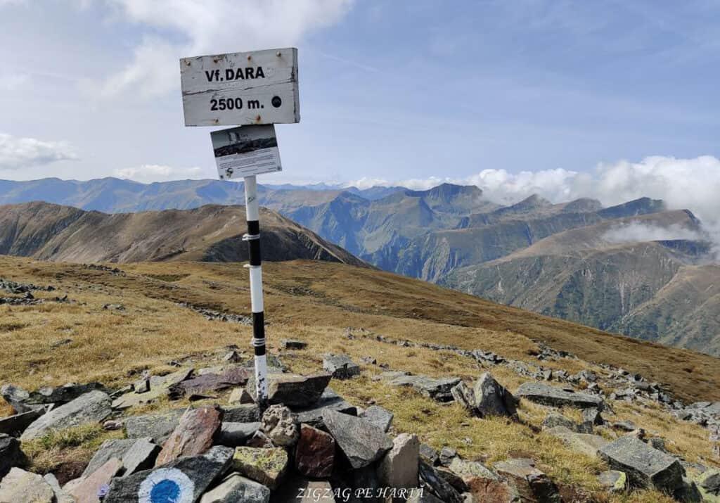 Vârful Dara (2500m) și Vârful Hârtopul Darei (2504m) - Blog de calatorii - ZIGZAG PE HARTĂ - 25917 101453 14