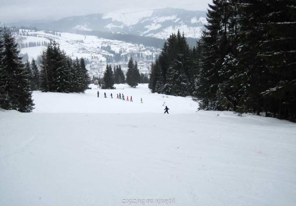 Pârtia Dealu Negru din Vatra Dornei - Blog de calatorii - ZIGZAG PE HARTĂ - 25917 76129 17 2