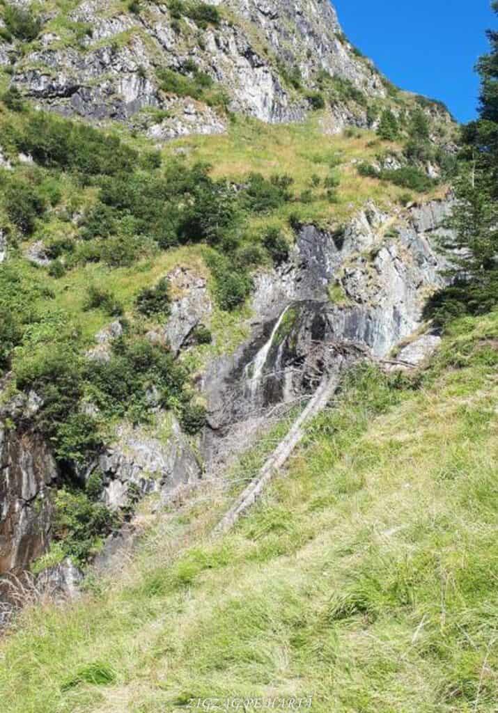 Vârful Moldoveanu - 2544m - Blog de calatorii - ZIGZAG PE HARTĂ - 25917 96470 7