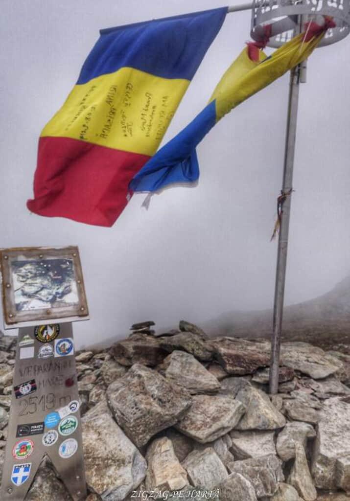 Vârful Parângul Mare (2519 m), Vârful Cârja (2405 m) și Vârful Parângul Mic (2074 m) - Blog de calatorii - ZIGZAG PE HARTĂ - 25917 96624 1
