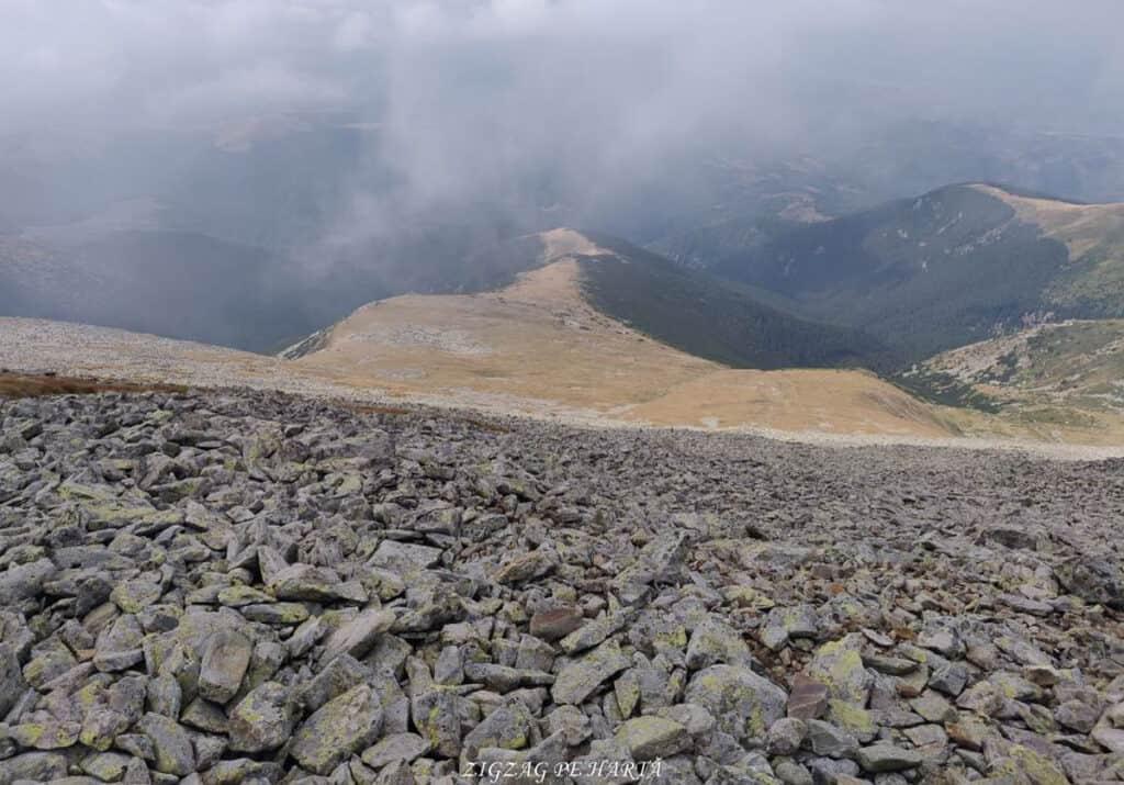 Vârful Parângul Mare (2519 m), Vârful Cârja (2405 m) și Vârful Parângul Mic (2074 m) - Blog de calatorii - ZIGZAG PE HARTĂ - 25917 96624 17