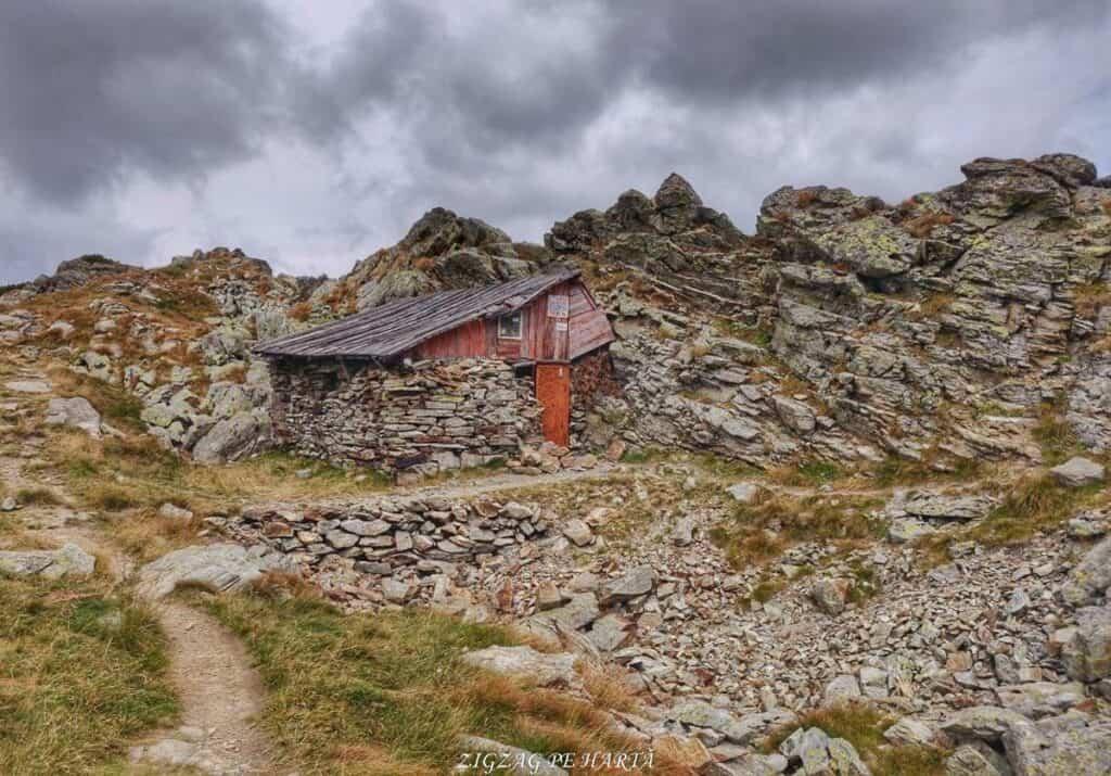 Vârful Parângul Mare (2519 m), Vârful Cârja (2405 m) și Vârful Parângul Mic (2074 m) - Blog de calatorii - ZIGZAG PE HARTĂ - 25917 96624 4
