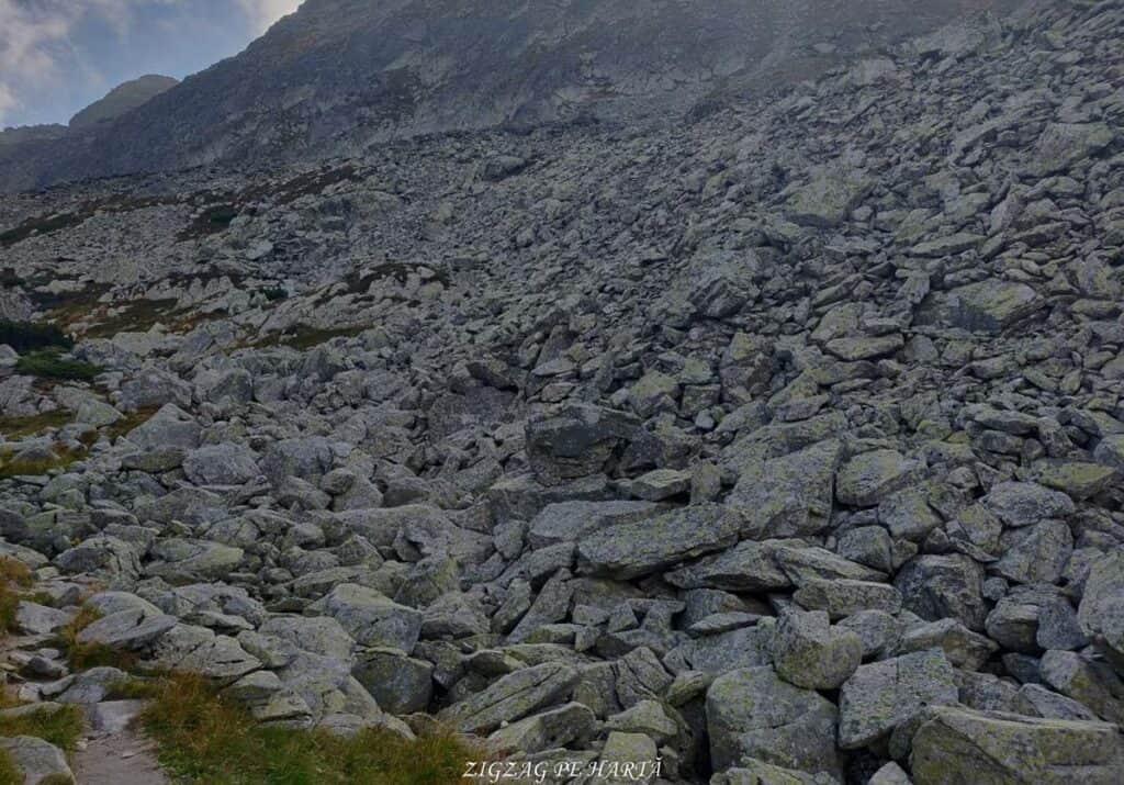 Vârful Peleaga 2509m și Vârful Păpușa 2508m - Blog de calatorii - ZIGZAG PE HARTĂ - 25917 96757 4