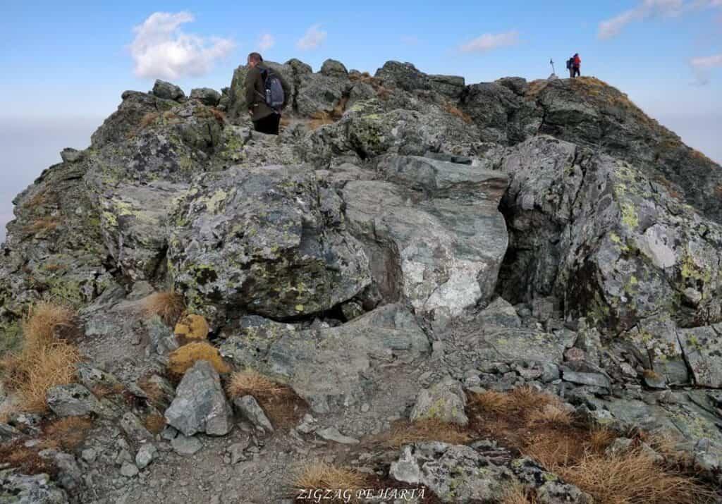 Vânătarea lui Buteanu 2507metri - Blog de calatorii - ZIGZAG PE HARTĂ - 25917 97691 20