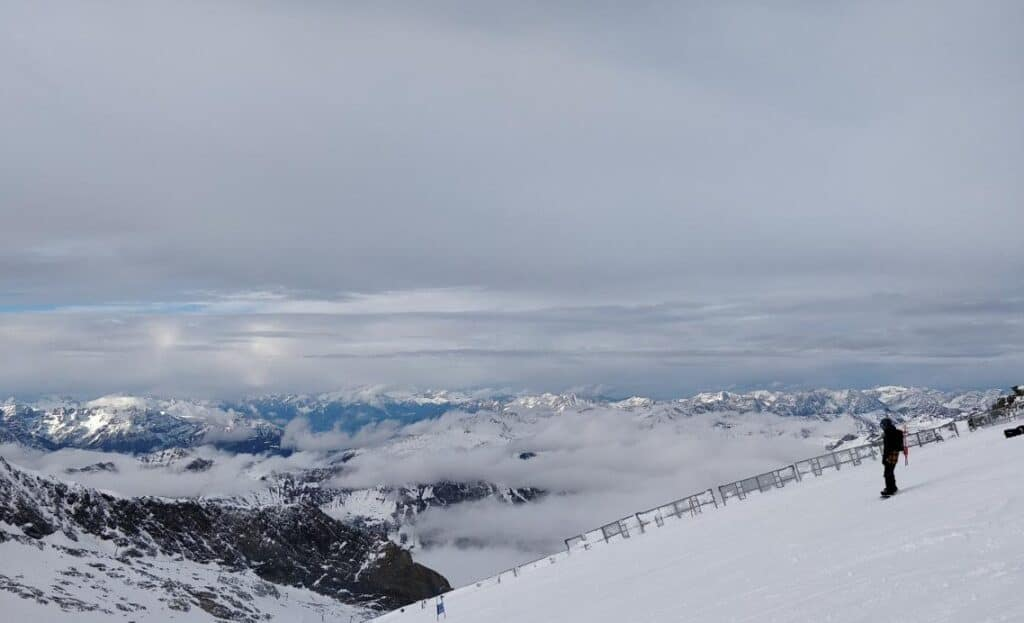 Ski pe Ghețarul Hintertux, Zillertal, Tirol est, Austria - Blog de calatorii - ZIGZAG PE HARTĂ - 25917 97912 16