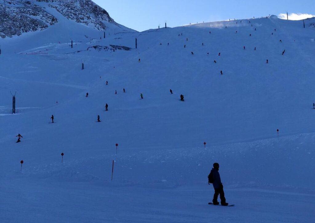 Ski pe Ghețarul Hintertux, Zillertal, Tirol est, Austria - Blog de calatorii - ZIGZAG PE HARTĂ - 25917 97912 21