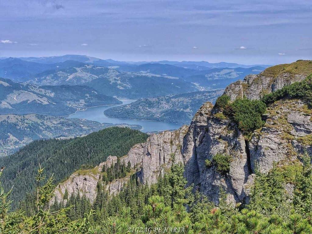 Vârful Toaca 1904 m. din M-ții Ceahlău - Blog de calatorii - ZIGZAG PE HARTĂ - 68893898 2433738690280297 691693423480012800 o