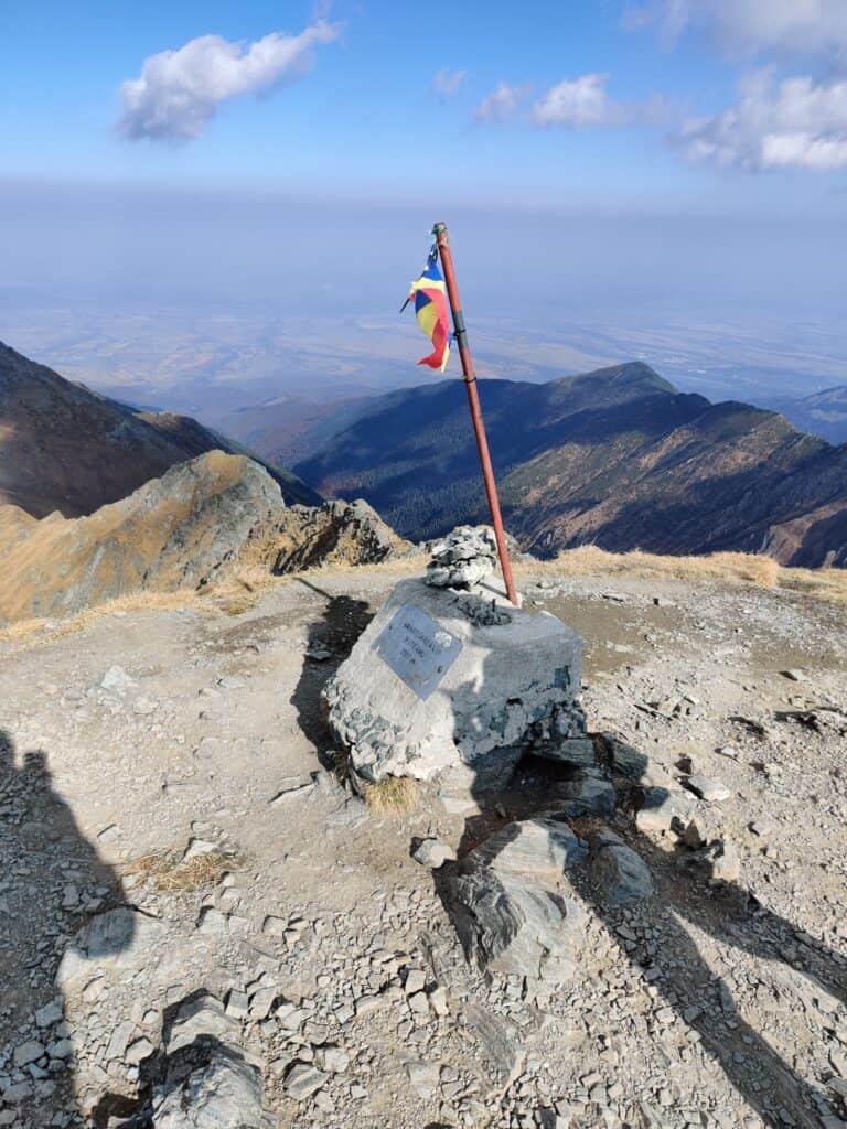 Vânătarea lui Buteanu 2507metri - Blog de calatorii - ZIGZAG PE HARTĂ - 73022636 2480760138911485 6388176666346127360 o