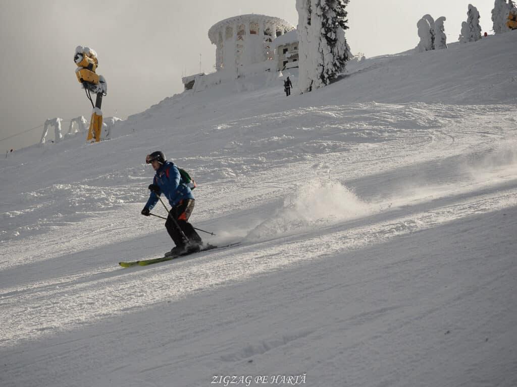 Domeniul schiabil Poiana Brașov, schi în trei zile - Blog de calatorii - ZIGZAG PE HARTĂ - ADL90494