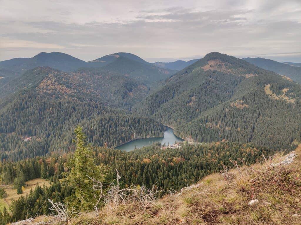 """Vârful Piatra Ghilcoș (1376 metri) din Lacul Roșu - Traseul """"Belvedere Ghilcoș"""" - Blog de calatorii - ZIGZAG PE HARTĂ - IMG 20201024 125340 01"""