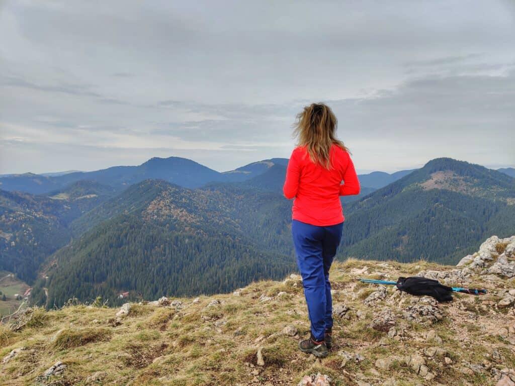 """Vârful Piatra Ghilcoș (1376 metri) din Lacul Roșu - Traseul """"Belvedere Ghilcoș"""" - Blog de calatorii - ZIGZAG PE HARTĂ - IMG 20201024 125923 01"""