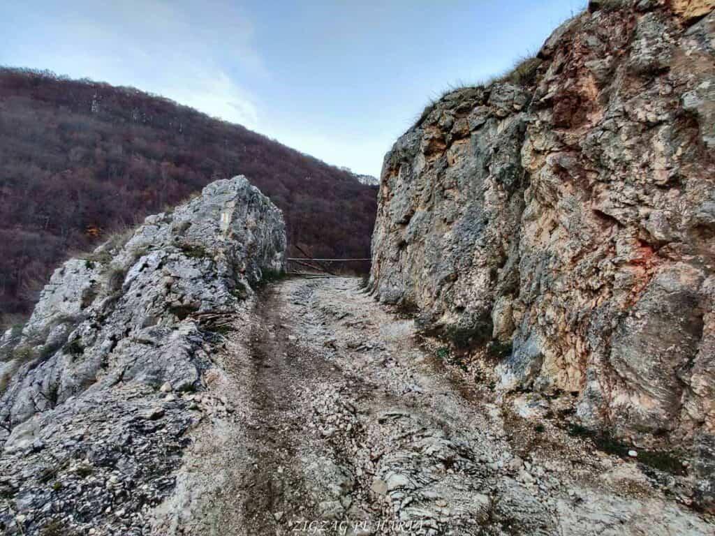 Poarta Zmeilor și Balconul de pe Bedeleu - Blog de calatorii - ZIGZAG PE HARTĂ - IMG 20201107 161917 01 1