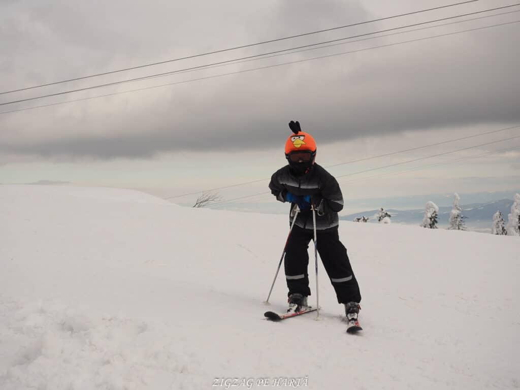Domeniul schiabil Poiana Brașov, schi în trei zile - Blog de calatorii - ZIGZAG PE HARTĂ - OI000131