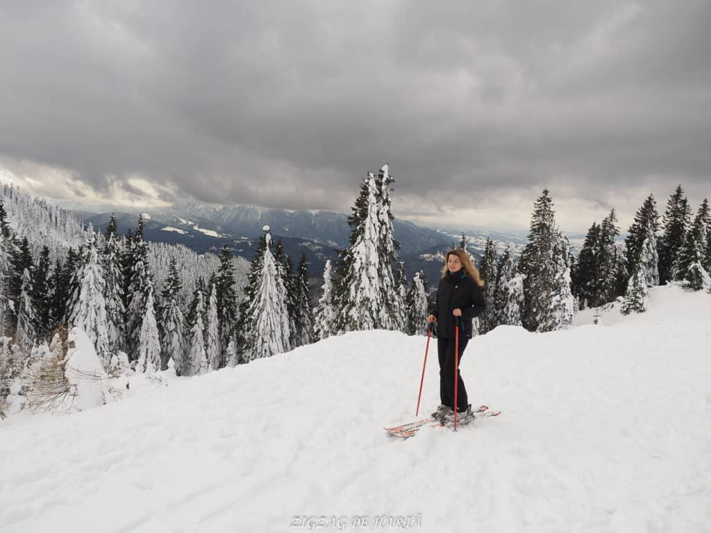 Domeniul schiabil Poiana Brașov, schi în trei zile - Blog de calatorii - ZIGZAG PE HARTĂ - OI000148
