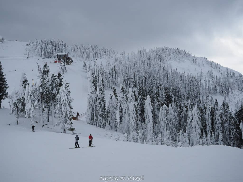 Domeniul schiabil Poiana Brașov, schi în trei zile - Blog de calatorii - ZIGZAG PE HARTĂ - OI000196 1