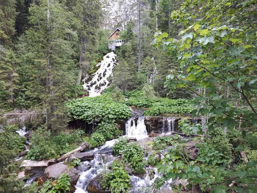 Cascada 7 izvoare, Lacul Scropoasa și Cheile Zănoagei - Blog de calatorii - ZIGZAG PE HARTĂ - 20190616 111013