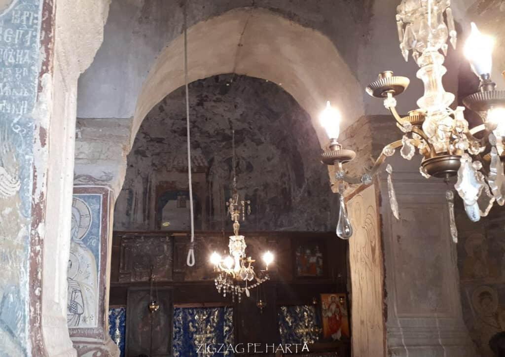 """Biserica """"Sfântul Nicolae"""" din Densuș - Blog de calatorii - ZIGZAG PE HARTĂ - 25917 96829 14"""