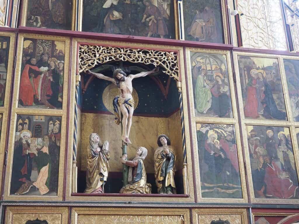 Biserica evanghelică fortificată din Biertan (1490-1524) - Blog de calatorii - ZIGZAG PE HARTĂ - ADL50028