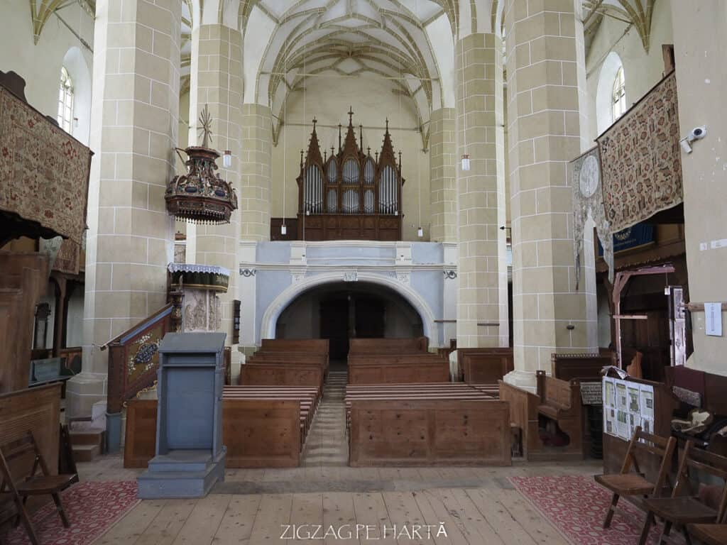 Biserica evanghelică fortificată din Biertan (1490-1524) - Blog de calatorii - ZIGZAG PE HARTĂ - ADL50037