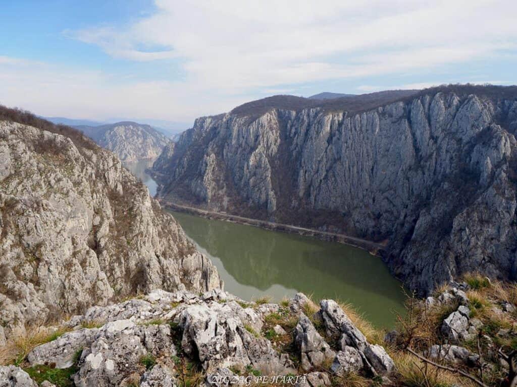 Circuit Vf. Ciucarul Mare - Blog de calatorii - ZIGZAG PE HARTĂ - ADL50231