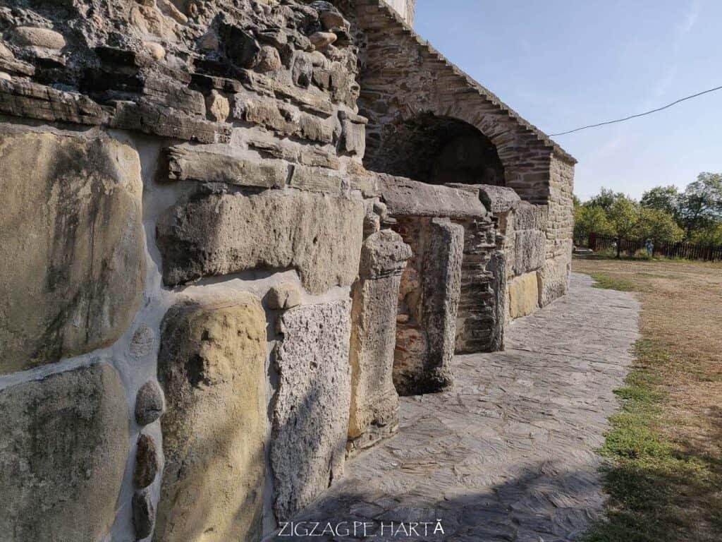 """Biserica """"Sfântul Nicolae"""" din Densuș - Blog de calatorii - ZIGZAG PE HARTĂ - IMG 20190915 101310"""