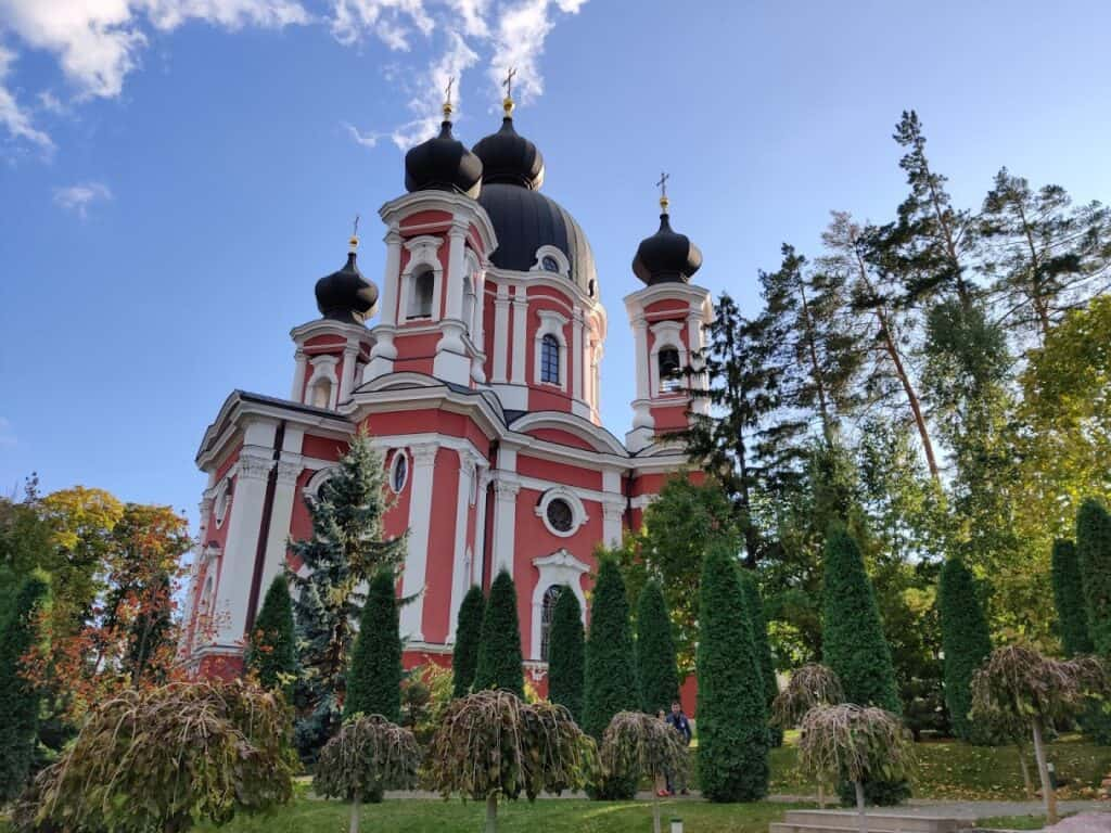 Complexul monastic Curchi din Orhei, Republica Moldova - Blog de calatorii - ZIGZAG PE HARTĂ - IMG 20191011 164047