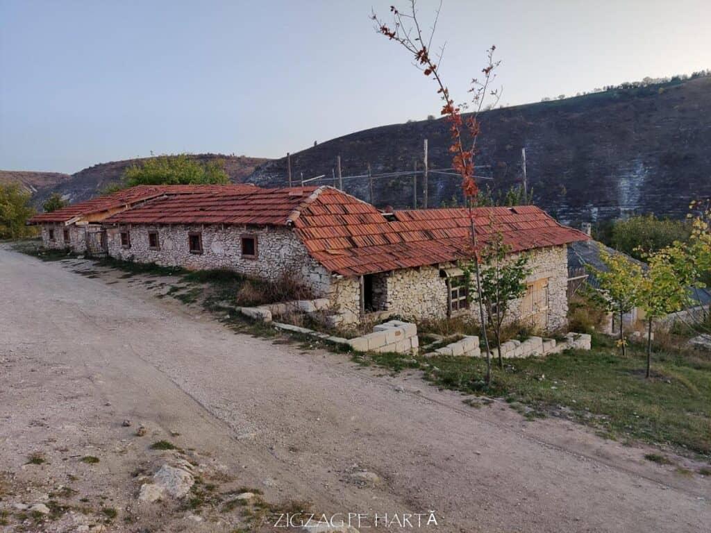 Orheiul Vechi, Mănăstirea rupestră Peștera, Mănăstirea Sfânta Maria din Republica Moldova - Blog de calatorii - ZIGZAG PE HARTĂ - IMG 20191011 183237
