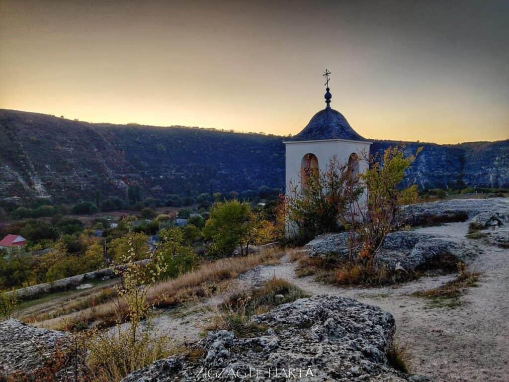 Orheiul Vechi, Mănăstirea rupestră Peștera, Mănăstirea Sfânta Maria din Republica Moldova - Blog de calatorii - ZIGZAG PE HARTĂ - IMG 20191011 183540 01