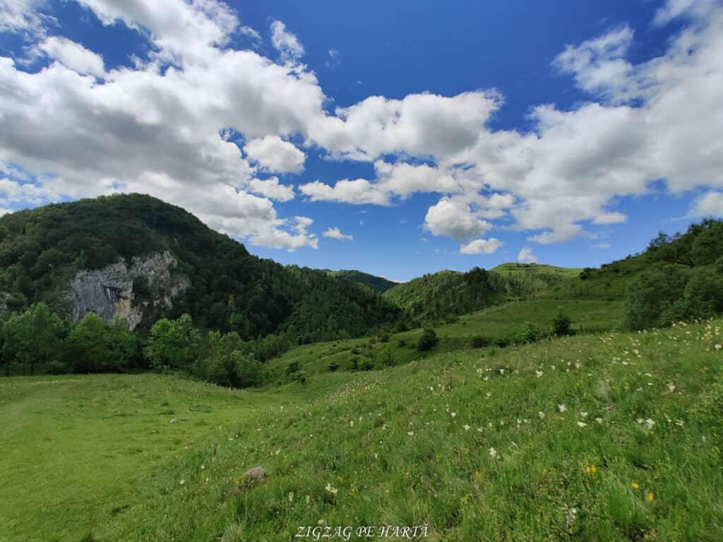Peștera Huda lui Papară - Troița- Vânătările Ponorului- Cascada Vânătarile Ponorului - Blog de calatorii - ZIGZAG PE HARTĂ - IMG 20200620 115359