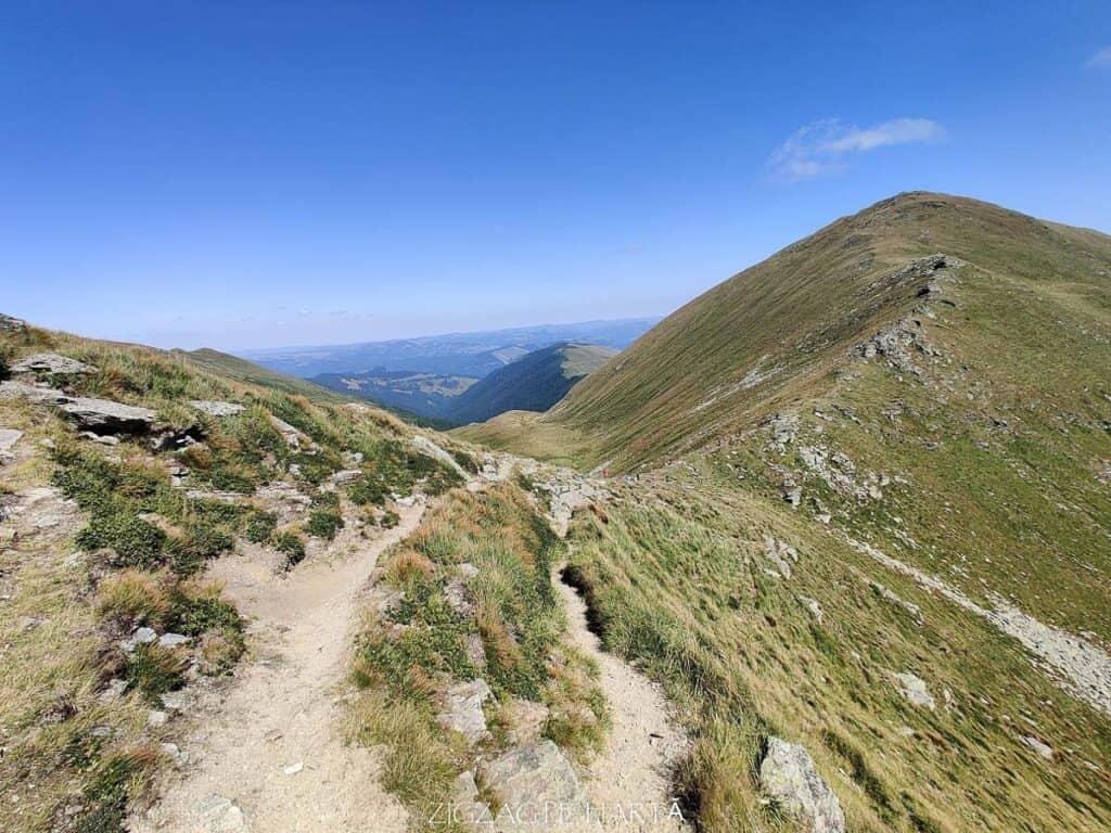 Circuit Vârful Ineuț (2.222m), Vârful Ineu (2.278m), Lacul Lala Mică (1.900m) și Lacul Lala Mare (1.815m) - Blog de calatorii - ZIGZAG PE HARTĂ - IMG 20200829 144909
