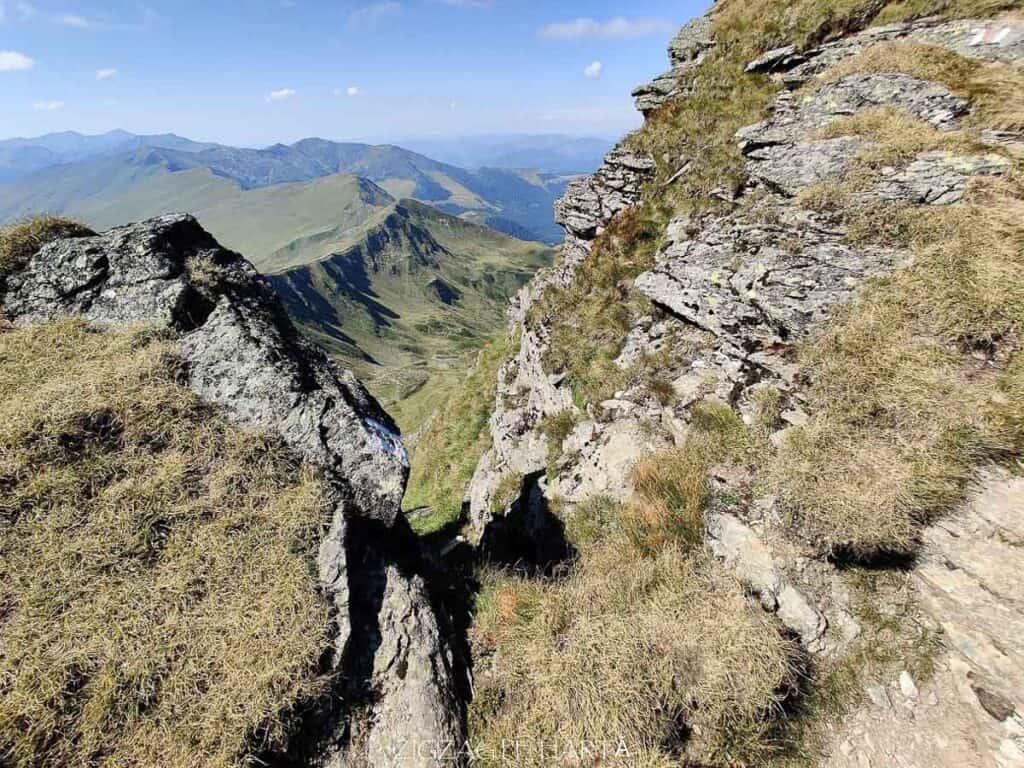 Circuit Vârful Ineuț (2.222m), Vârful Ineu (2.278m), Lacul Lala Mică (1.900m) și Lacul Lala Mare (1.815m) - Blog de calatorii - ZIGZAG PE HARTĂ - IMG 20200829 151111