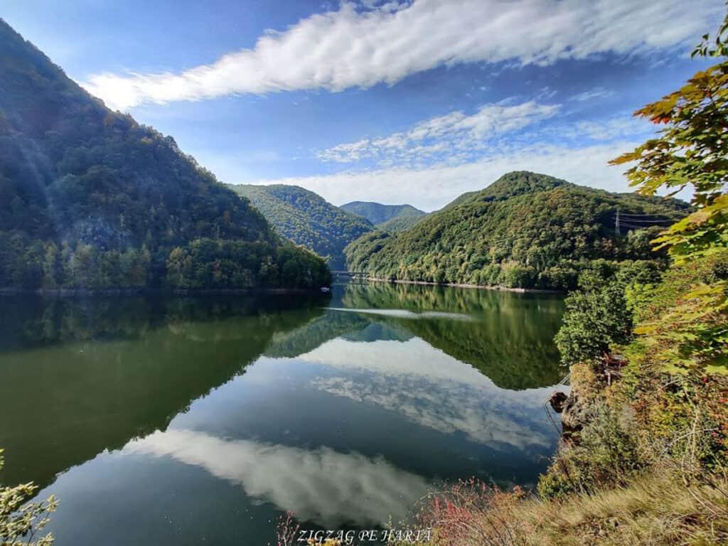 Piatra lui Lucaci din Munții Gilăului - Blog de calatorii - ZIGZAG PE HARTĂ - IMG 20201003 111903 01