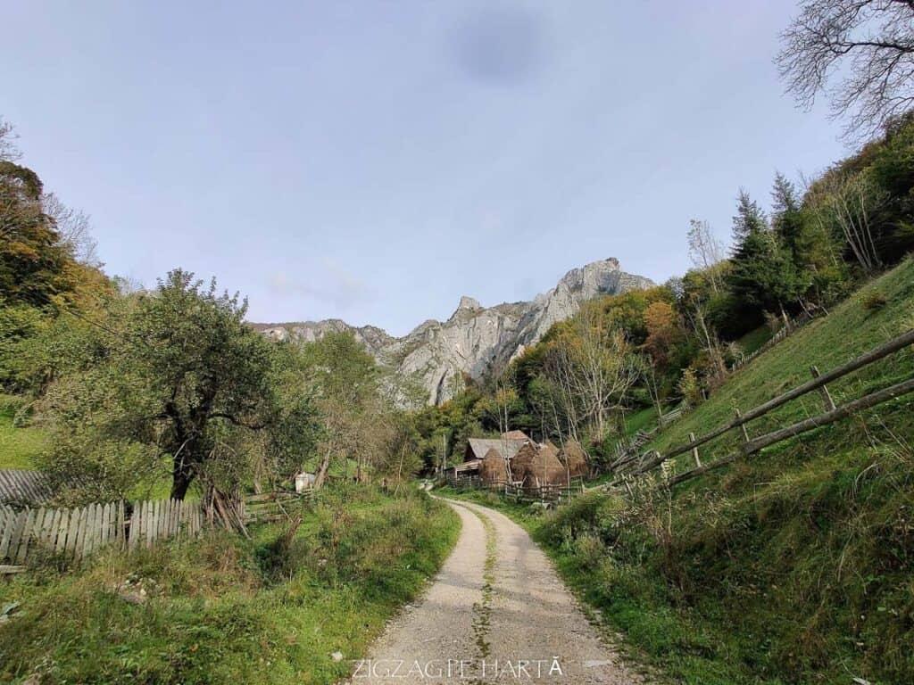Traseul turistic Scărița – Belioara - Blog de calatorii - ZIGZAG PE HARTĂ - IMG 20201010 100123
