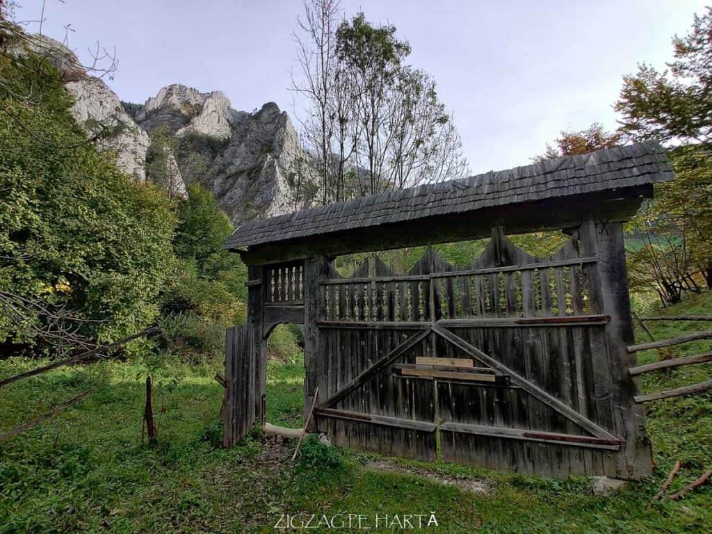 Traseul turistic Scărița – Belioara - Blog de calatorii - ZIGZAG PE HARTĂ - IMG 20201010 101130