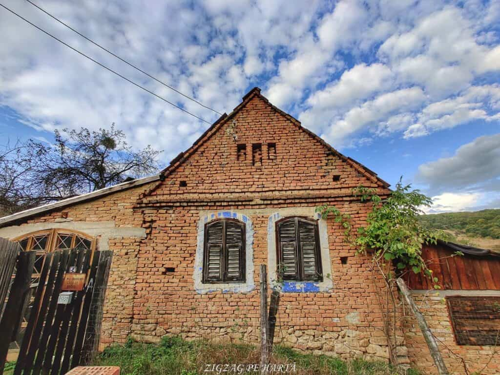 Mighindoala, satul parăsit - Blog de calatorii - ZIGZAG PE HARTĂ - IMG 20201016 164548 01