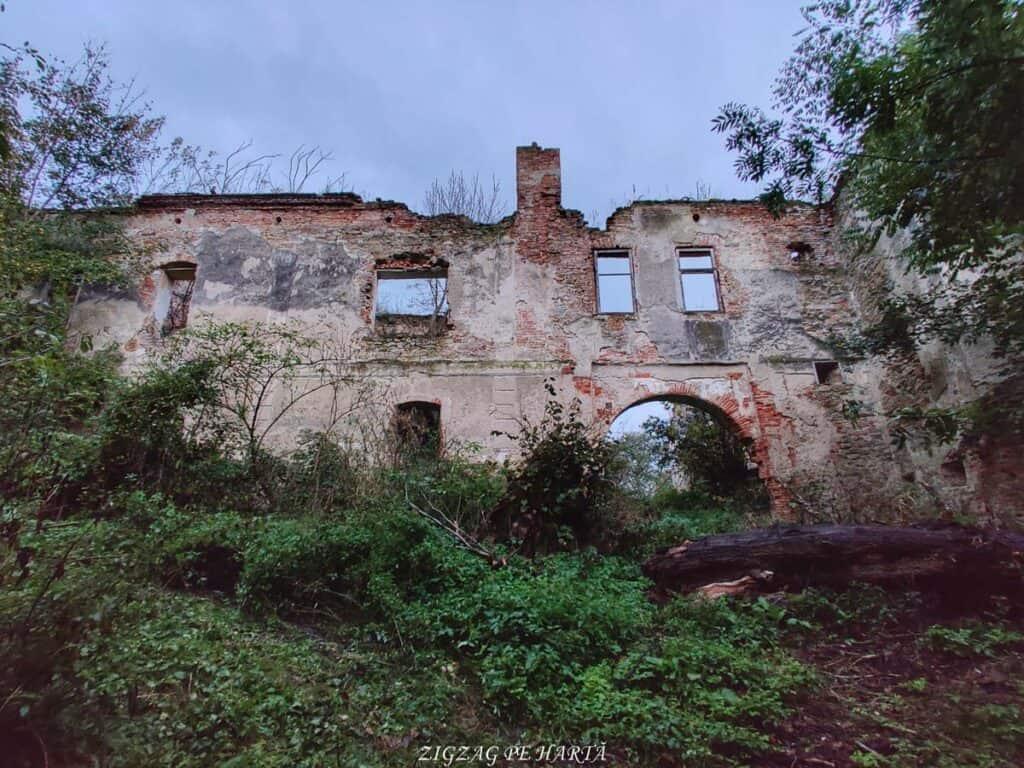 Mighindoala, satul parăsit - Blog de calatorii - ZIGZAG PE HARTĂ - IMG 20201016 183826 01