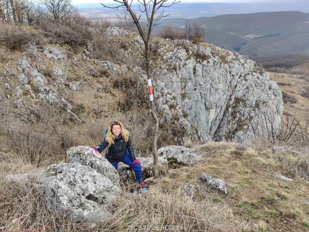Circuitul versantului stâng din Cheile Vălișoarei și Vârful Data (884 m) - Blog de calatorii - ZIGZAG PE HARTĂ - IMG 20210227 131515 01