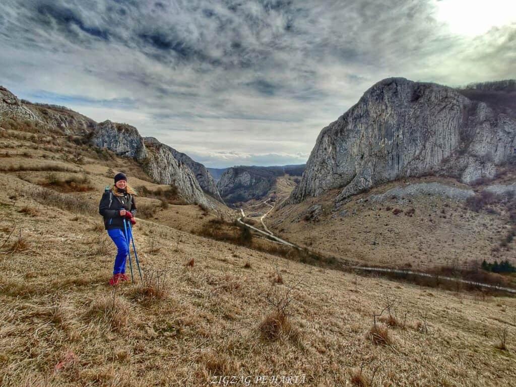 Circuitul versantului stâng din Cheile Vălișoarei și Vârful Data (884 m) - Blog de calatorii - ZIGZAG PE HARTĂ - IMG 20210227 150224 01