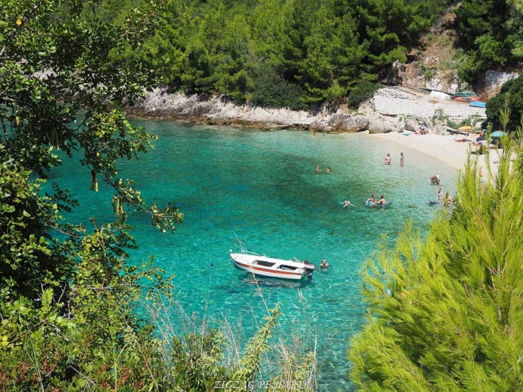 Lefkada și plajele ei minunate - Blog de calatorii - ZIGZAG PE HARTĂ - OI000168