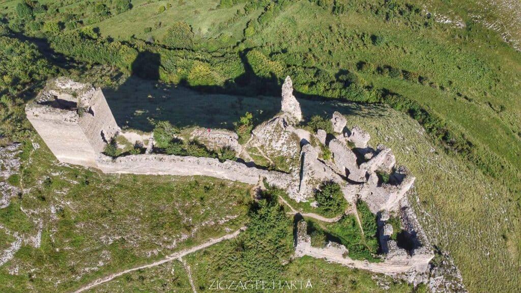 Cetatea Trascăului sau Cetatea Colțești - Blog de calatorii - ZIGZAG PE HARTĂ - org d62e5d4651b9019b 1599224682000 01