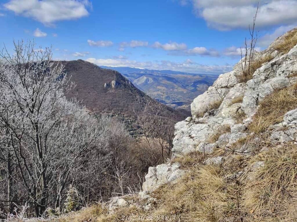 Vârful Ardașcheia 1250 metri din Munții Trascăului, jud. Alba - Blog de calatorii - ZIGZAG PE HARTĂ - IMG 20210306 121239 01