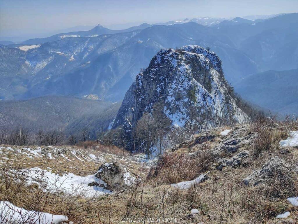 Piatra Cetii 1233m - Blog de calatorii - ZIGZAG PE HARTĂ - IMG 20210327 141516 02