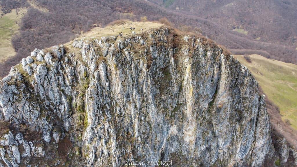 Piatra Craivii, 1083 m - Blog de calatorii - ZIGZAG PE HARTĂ - Photo 6554368 DJI 768 jpg 4276702 0 2021411141058 photo original 01