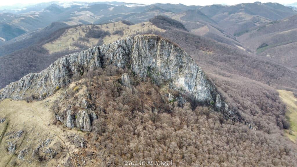 Piatra Craivii, 1083 m - Blog de calatorii - ZIGZAG PE HARTĂ - Photo 6554382 DJI 782 jpg 4501734 0 2021411141240 photo original 02