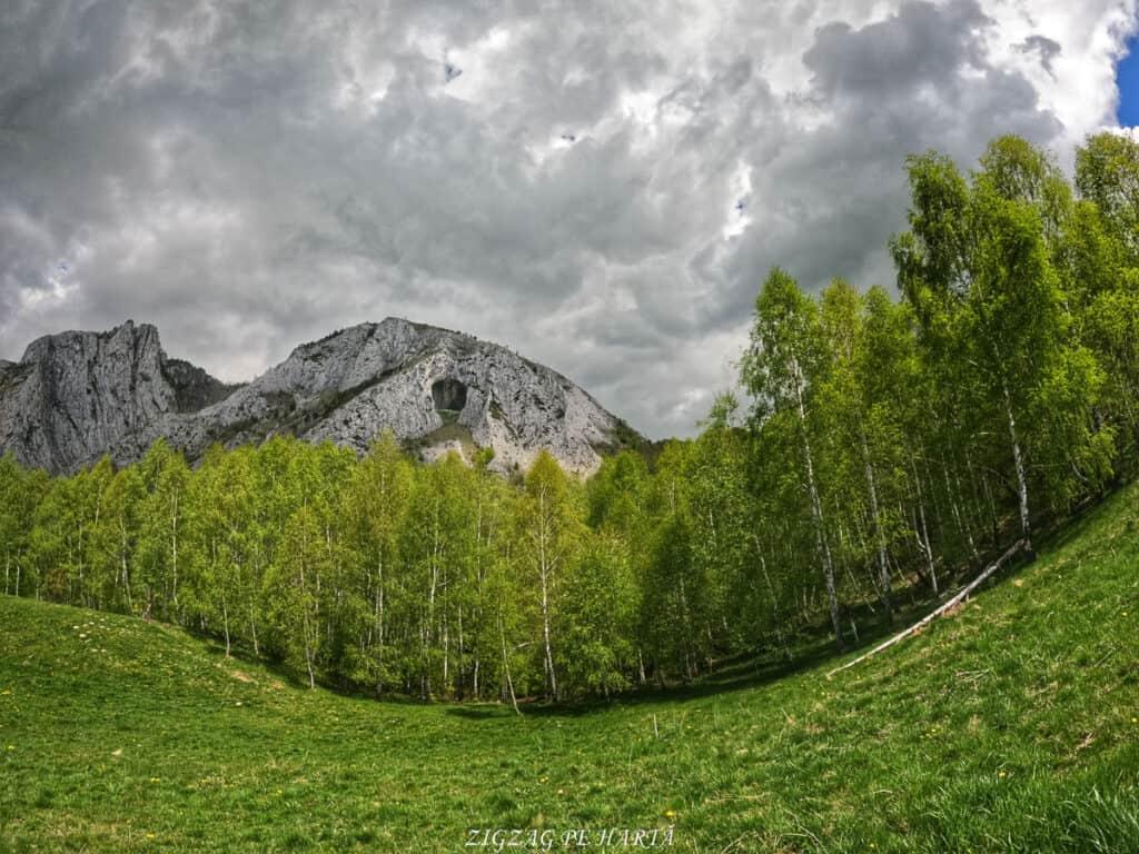 Traseul turistic Scărița – Belioara - Blog de calatorii - ZIGZAG PE HARTĂ - GOPR0147 1621086837181 01