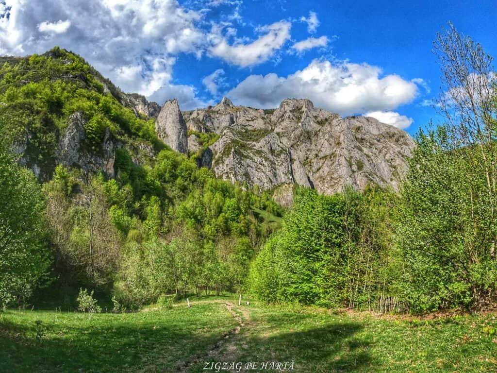 Traseul turistic Scărița – Belioara - Blog de calatorii - ZIGZAG PE HARTĂ - GOPR0191 1621085991774 01