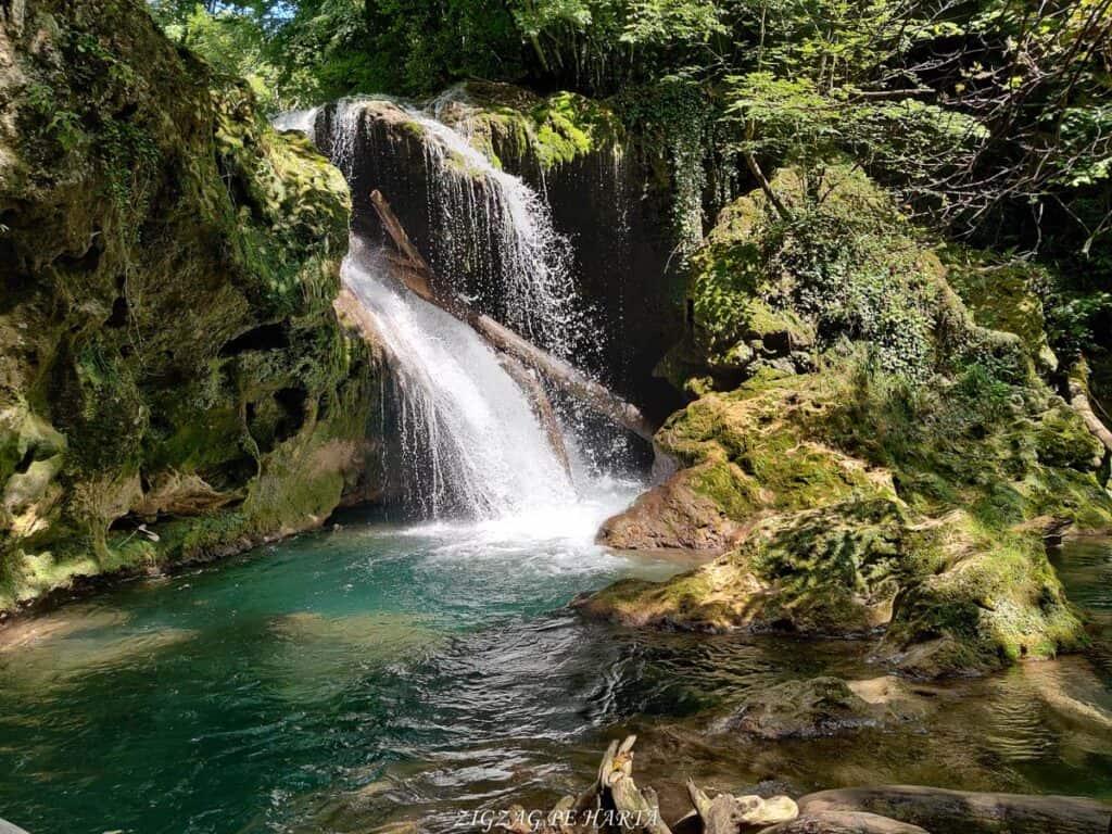 Lacul Ochiul Bei, Cascada Văioaga, Cascada Beușnița, La Tunele și Lacul Dracului - Blog de calatorii - ZIGZAG PE HARTĂ - IMG 20200727 151334
